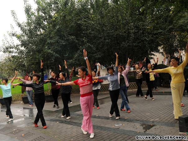 20111106_080606_dancingpark